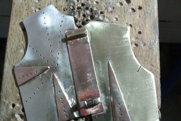 Broche - Proceso de trabajo con metal: Paso 7